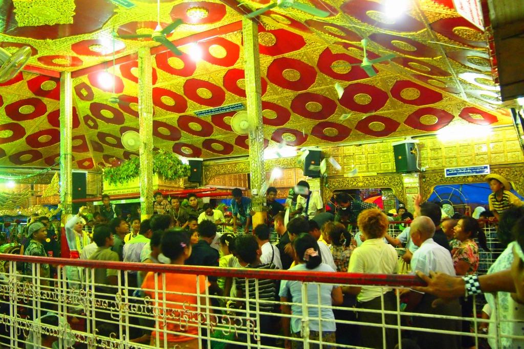 ミャンマー タウンビョン精霊祭