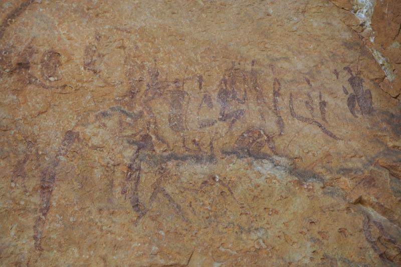 レソト ポニートレッキング サン族の壁画