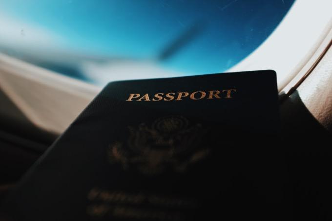 パスポートを盗難される