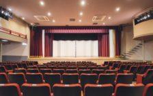 浅草で寄席を見たい!歴史ある2つの劇場とルール・楽しみ方を紹介