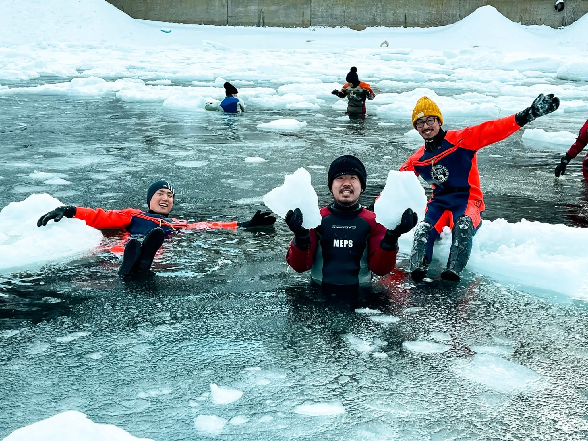 知床半島の流氷ウォーク体験