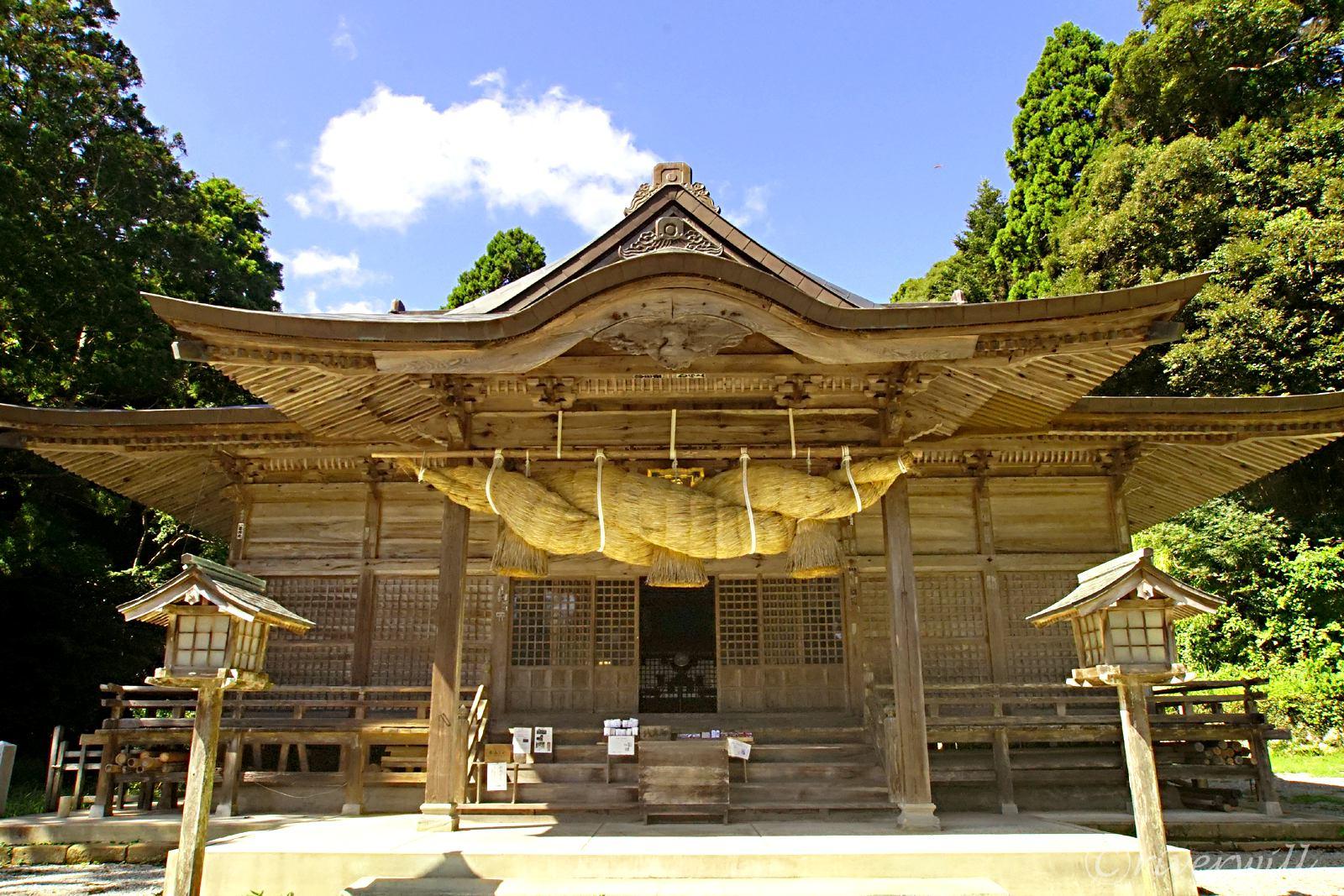 隠岐でもっとも古い建築の「玉若酢命神社」