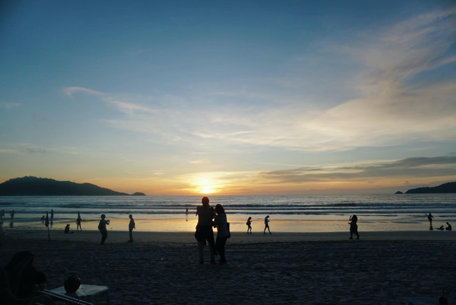プーケットのビーチでの夕焼け