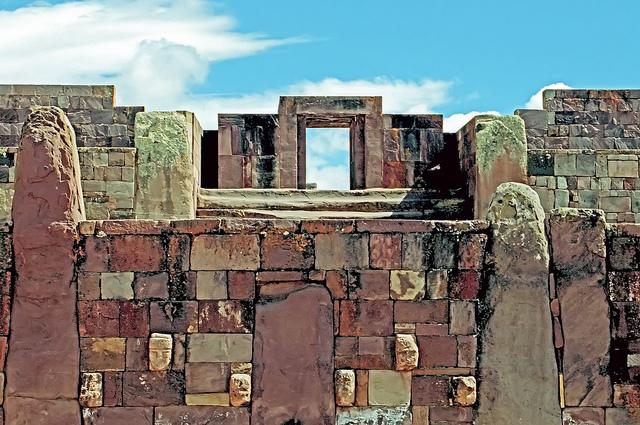 ティワナク文化の宗教的・政治的中心地
