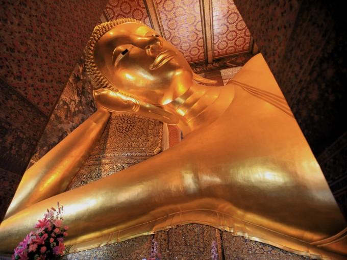 タイでも有名な横になった大仏ワット・ポーです。