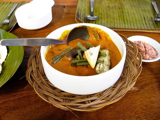 フィリピンの伝統料理Kare-kare(カレカレ)