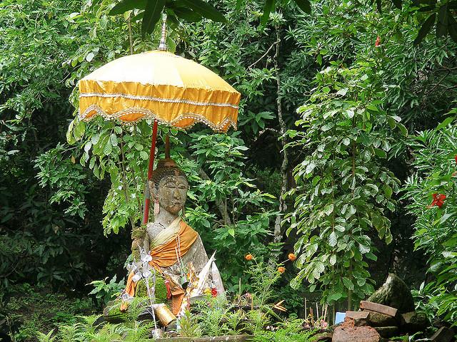 チャンパサック県の文化的景観にあるワット・プーと関連古代遺産群