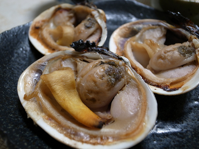焼き大あさり (grilled Japanese littleneck Manila clam)