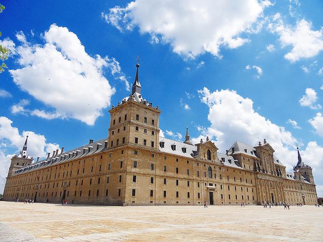 マドリードのエル・エスコリアル修道院とその遺跡