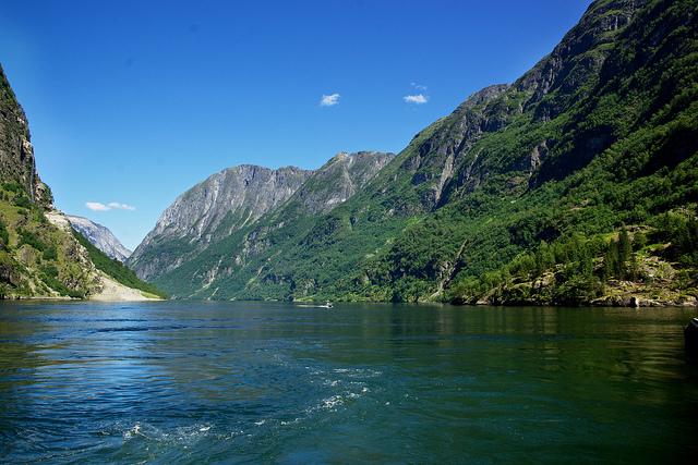 西ノルウェーフィヨルド群‐ガイランゲルフィヨルドとネーロイフィヨルド