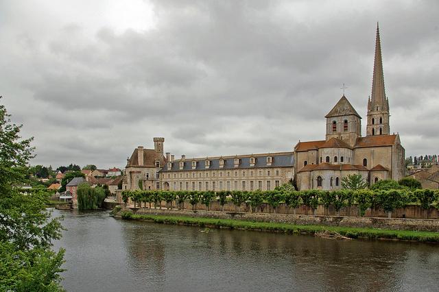 サン-サヴァン・シュール・ガルタンプの修道院教会
