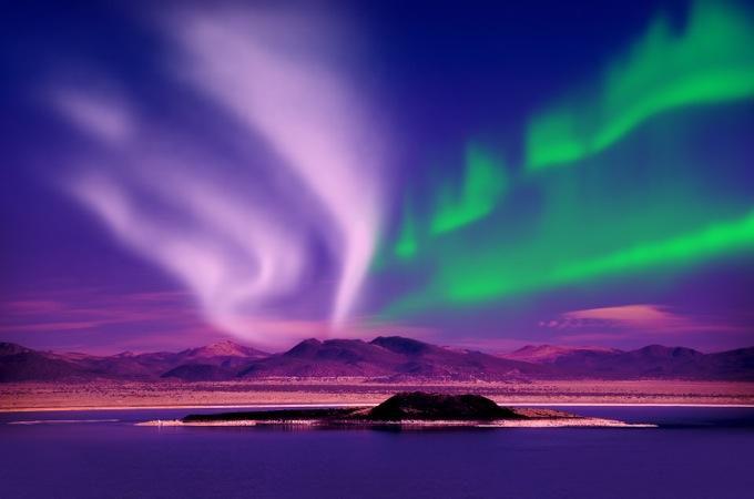夜空の神秘「オーロラナイト!」