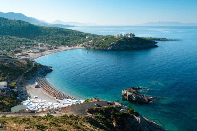手つかずの大自然と美しいアドリア海