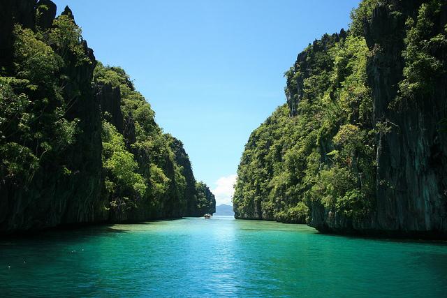 フィリピン人も一目置くほど美しい秘境【エルニド】