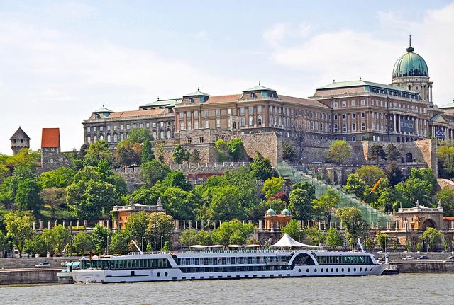 ドナウ河岸、ブダ城地区及びアンドラーシ通りを含むブダペスト