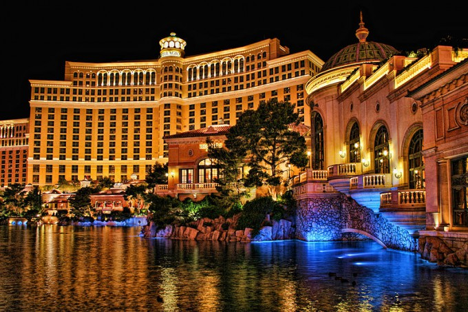 800px-Bellagio_Casino_and_Hotel_at_Night
