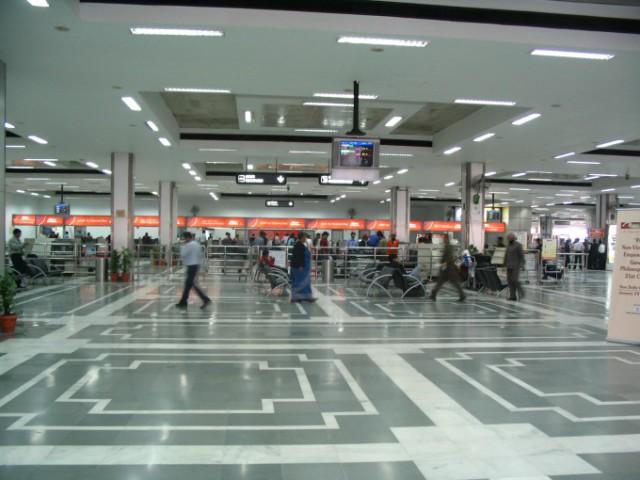 Delhi_airport_departure_terminal_1A_(1)