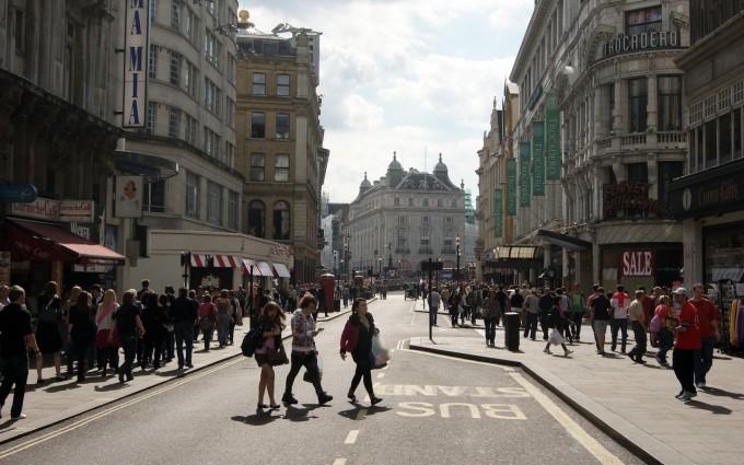 Warwick_Street,_Mayfair,_London