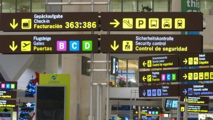 airport-249529_1920
