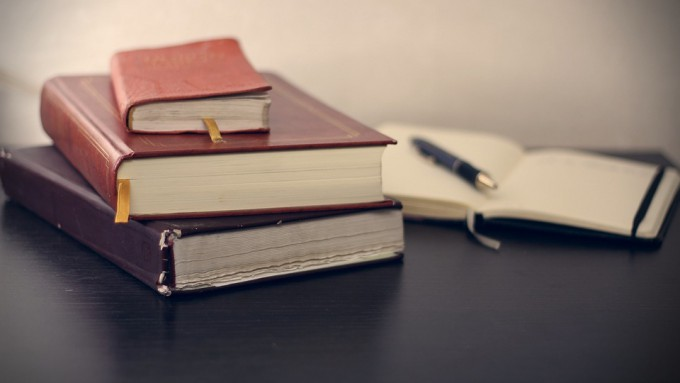 books-690219_960_720