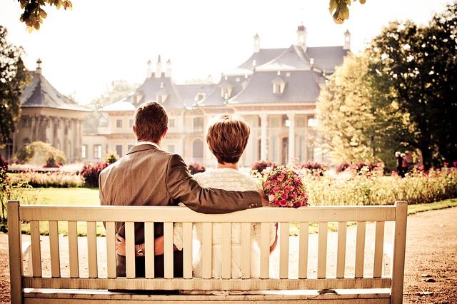 couple-260899_640