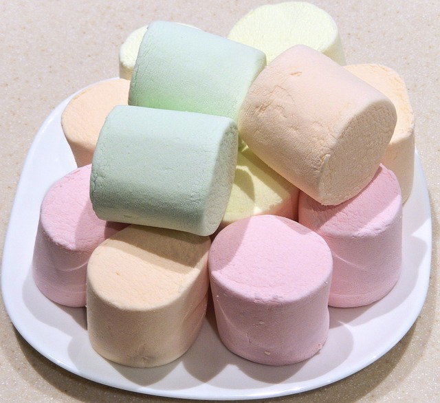 jumbo-marshmallows-788773_640
