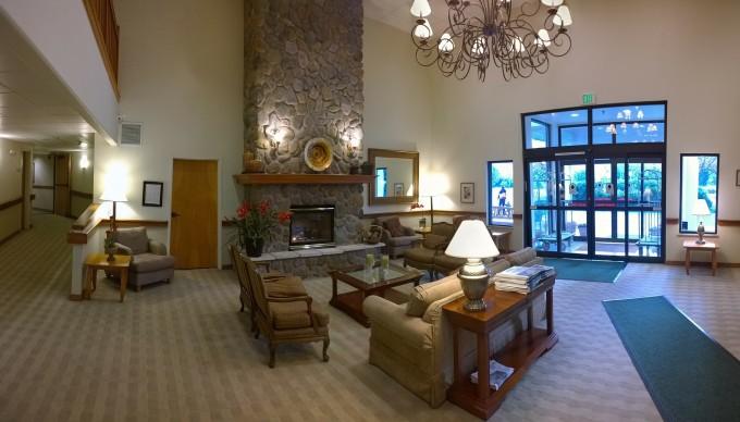 lobby-346426_1920