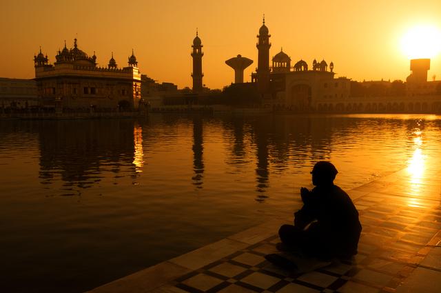 Sikh pilgrims at Golden Temple India