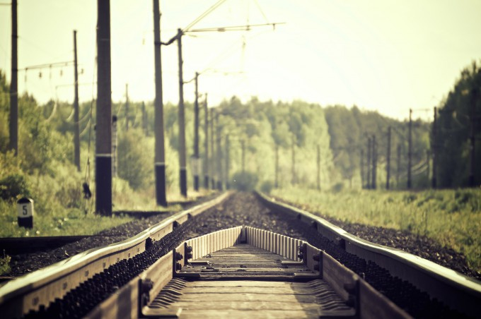 railroad-tracks-336532_1920