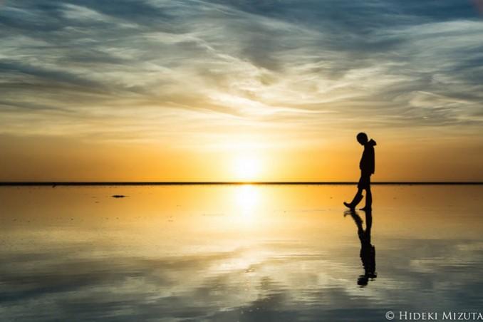 すべてを映し出す天空の鏡、ボリビア・ウユニ塩湖