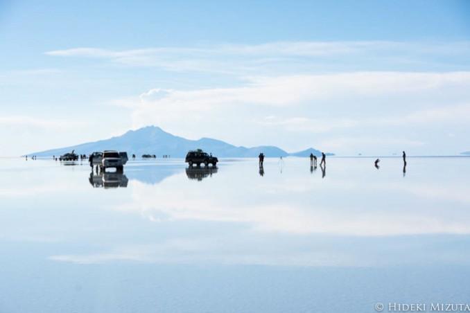 雨季に水が張った時にだけ見られる「天空の鏡」