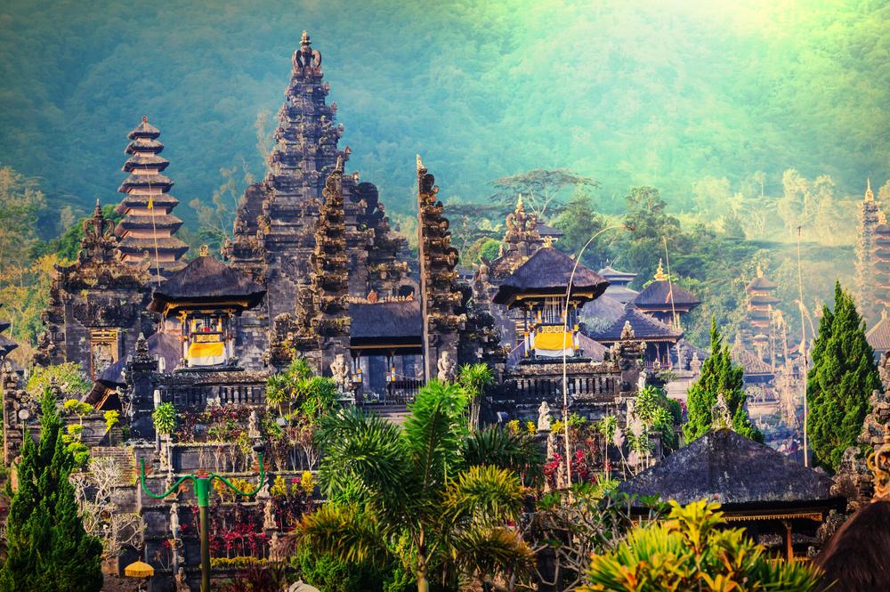 インドネシアのおすすめ観光スポ...