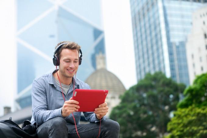 24時間対応なので、旅しながら英会話を学ぶことができる!