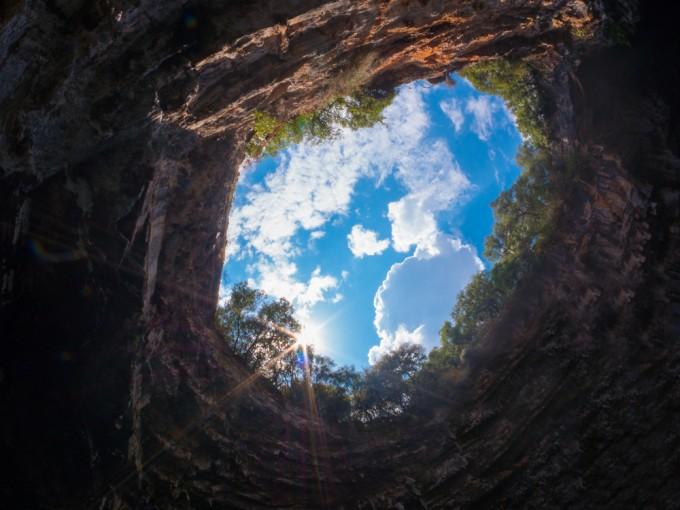 メリッサーニ洞窟